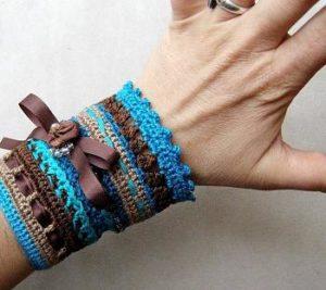 Вязаный браслет своими руками