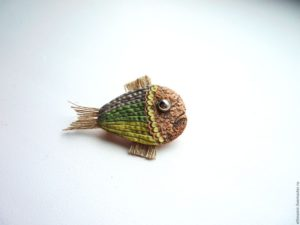 Брошь-рыбка