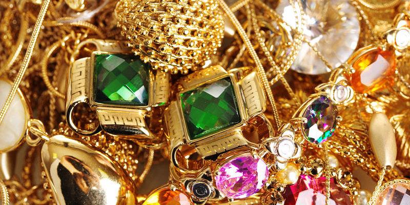 Золотые украшения во сне