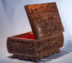 Старинная Деревянная шкатулка для украшений
