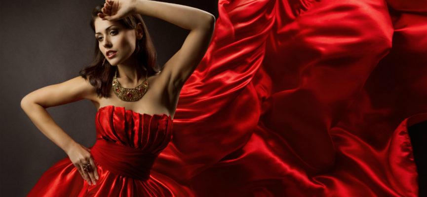 Украшения под красное платье