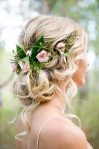 Украшение для волос живыми цветами